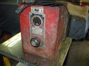 Vintage Battery Charger. (Hart)