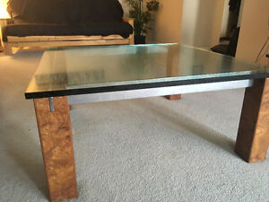 Moving out of province so selling this coffee table. London Ontario image 3