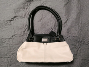Tignanello EST. 1989 small real leather purse