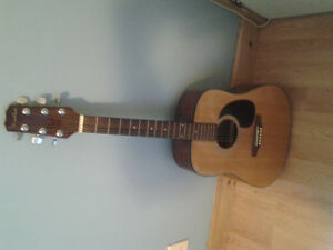Acoustic Guitar /w Case