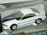 Eagle's Race 1/18 1994 Ford Mustang Coupe Diecast Car White