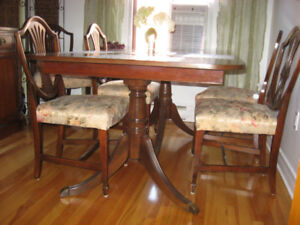 Table et chaises antiques Duncan Phyfe 1920 / Table and chairs