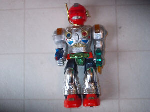 COOL !! TALKING TOY  ROBOT -WITH  LIGHTS &  SOUND !!