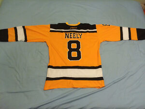 Brand NEW Boston Bruins Cam Neely Winter Classic jersey with tag