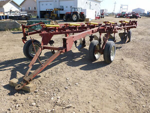 Melroe 900 Series Plow