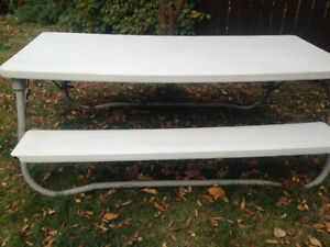 Picnic table selling fir $150