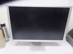 "MAC Cinema ""20 HD Display + adapter ONLY $90.00"