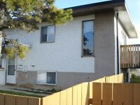 LARGE 2 BEDROOM TOWNHOUSE-$75 OFF FIRST MONTH RENT!!