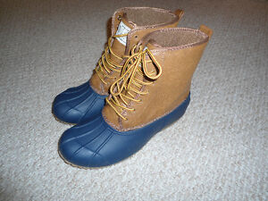 Brand New Never Worn DGL Lace Up 'Duck Boots' Size 7 were $60