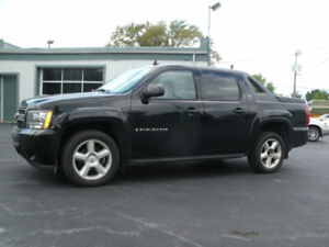 2008 Chevrolet Avalanche LT1 Pickup Truck : Leather/ Roof, 4X4!