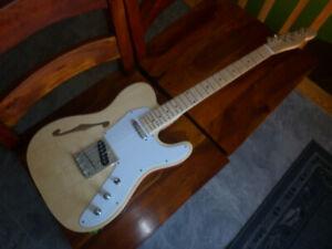 Guitare télécaster thinline TCK-100 semi hollow body