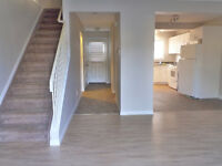 3 Bedroom Thickwood townhouse - Total Reno Avail Now - Util Incl