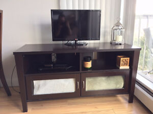 Like new TV Table with glass doors