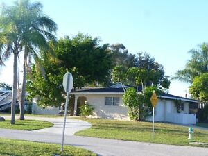Comfortable 3bed/2bath house for rent in Venice, FL