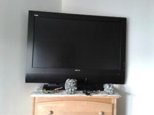 téléviseur Soyo  42 pouces HDMI