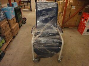 fauteuil inclinable  en cuir pour soin médicaux