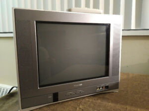 14 inch Toshiba Flat-screen CRT TV--Perfect for Retro Gaming!