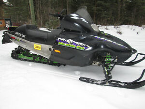 ARCTIC CAT MOUNTAIN CAT 600 EFI 2001 RUNS GREAT WITH REVERSE Prince George British Columbia image 2