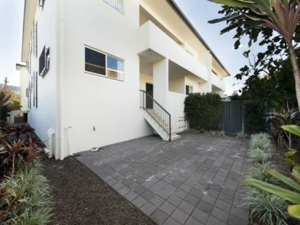 Beautitul room to rent in Bulimba townhouse available now Bulimba Brisbane South East Preview