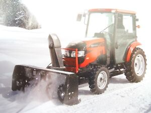 Mahindra 1538 with FRONT MOUNT Snow Package