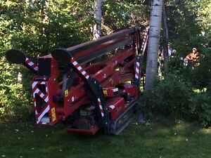 """TREE REMOVAL.. Nobody Has This Lift!  Except US!! 34"""" Wide"""