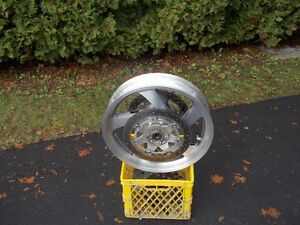 GL1800 GOLDWING FRONT WHEEL