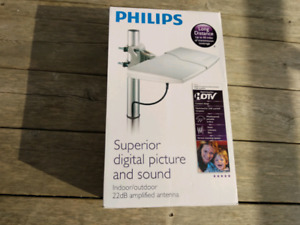Brand new Philips 22 dB amplified antenna.