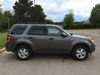 2011 Ford Escape XLT - 4WD, 3.0L V6 engine, 6-speed automatic