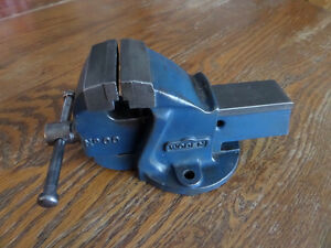 Woden No. 00 Bench Vise Kitchener / Waterloo Kitchener Area image 2