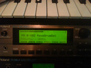 Roland xv5080 with 3 expansion/rom cards