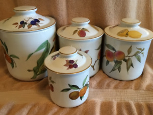 Tea Pot and Four Canisters