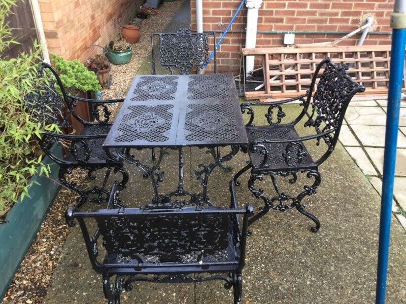 garden table and chairs nice set used - Garden Furniture Kings Lynn