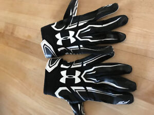 Large Under Armour football gloves