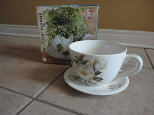 Brand new in box decorative large tea cup saucer planter pot London Ontario image 1