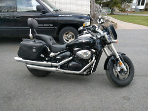 Boulevard m50 saddle bags and windshield (05-09)