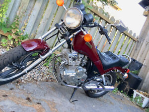 Yamaha Maxim Motorcycle 400 1982 *ALL OFFERS WILL BE CONSIDERED