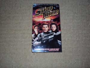 STARSHIP TROOPERS, VHS MOVIE, EXCELLENT CONDITION