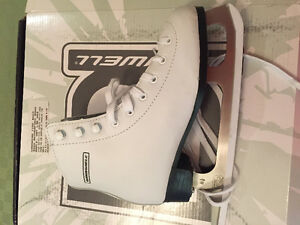 Girls white figure skates size 2 like new