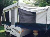 Tente roulotte. Camping tent