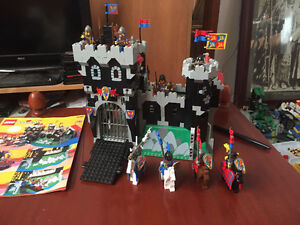 Vintage Lego #6086 complete with instructions. Castle