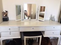Gorgeous dressing table, stool and mirror set
