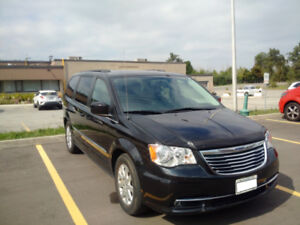 2016 Chrysler Town&Country Touring WITH EXTENDED WARRANTY!
