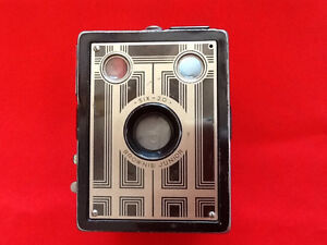-SIX-20-BROWNIE JUNIOR Box camera Cornwall Ontario image 1