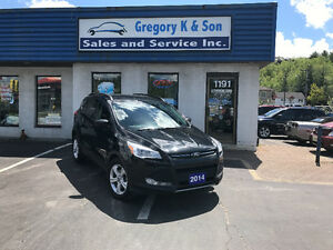 2014 Ford Escape SE 4x4, back-up cam, heated seats!!!
