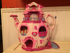 My Little Pony Teapot House- Collectable