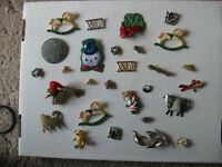 PINS - COSTUME JEWELLERY - LOT OF 29 PIECES