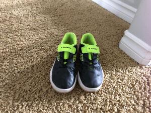 Diadora size 13 indoor soccer shoes