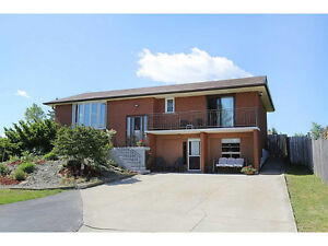 Raised bungalow 3 bdrms and 2 bthrms-Stoney Creek Mountain $1700