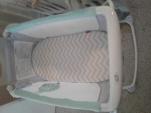 Baby bassinet, collasable for easy moving