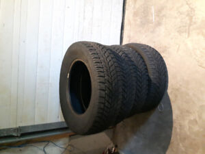 4 winter tires Goodyear  225/55R16